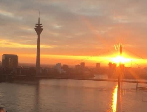 Düsseldorf-Unterbilk: Rheinturm und Medienhafen